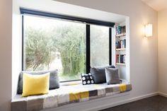 Bay window ideas that blend well with modern interior design 01 Window Benches, Window Design, Modern Interior Design, Home Decor Bedroom, House Design, Design Design, Design Ideas, Window Ideas, Book Shelves