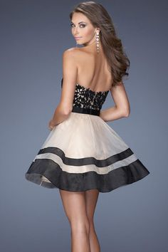 Blk & Off WH Cocktail Style Detail Prom Dress