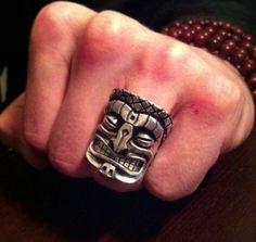 """Résultat de recherche d'images pour """"tiki tattoo on finger"""""""