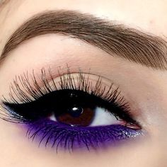 Sunday mornings #MakeupInspiration was done by @makeupdolls using OFRA's Fixline Eyeliner Gel in Killer Queen on her bottom lash line!