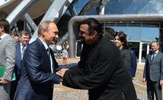 Nyheter: Steven Seagal har fått ryskt pass av Putin #Nyheter #Putin #StevenSeagal #Pass #debatt24 #Ryssland #USA
