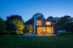 Ström Architects Design a Family Holiday Home in England
