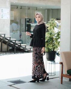 Model Kebaya Muslim, Kebaya Modern Hijab, Model Kebaya Modern, Kebaya Hijab, Modern Hijab Fashion, Batik Fashion, Muslim Fashion, Kebaya Lace, Batik Kebaya