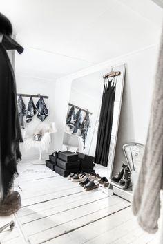 © Paulina Arcklin | Blog post: MY DRESSING ROOM