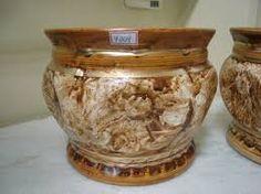 Resultado de imagem para vasos para decoração de natal dourado