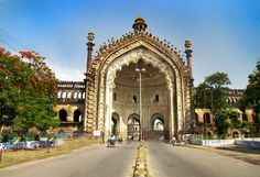 The Rumi Darwaza of Lucknow is a spectacular gateway and a popular monument of Lucknow city. It is the entrance to the Bara Imambara.