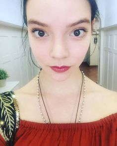 People who have eyes far apart. Anya Joy, Anya Taylor Joy, People With No Eyebrows, Wide Set Eyes, Under My Skin, Claire Holt, Celebs, Celebrities, Guys And Girls