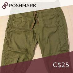 Women's cargo Capri pants Women's cargo Capri pants. Shorts Cargos