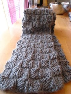 Man scarf for Christmas knitted men's scarf. or girl scarf. EASY, quick scarf to knit. i will def use this pattern again. :] STEP-BY-STE. Woven Scarves, Crochet Scarves, Knit Crochet, Men's Scarves, Crochet Blankets, How To Make Scarf, How To Purl Knit, Man Scarf, Loom Knitting