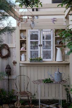 庭仕事は至福の時間   Nora レポート ~ワンランク上の庭をめざして~