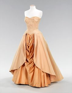 Dress (Ball Gown)  Charles James  (American, born Great Britain, 1906–1978)  Date: 1948 Culture: American Medium: silk Dimensions: Length at CB: 53 in. (134.6 cm) Credit Line: Brooklyn Museum Costume Collection at The Metropolitan Museum of Art, Gift of the Brooklyn Museum, 2009; Gift of Millicent Huttleston Rogers, 1949