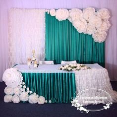 paper flower wall backdrop with table idea Tissue Paper Flowers, Paper Flower Wall, Paper Flower Backdrop, Wall Flowers, Diy Backdrop, Backdrop Decorations, Diy Wedding Decorations, Bridal Table, Wedding Table