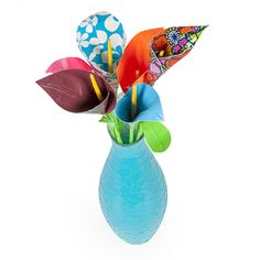 How to create a calla lily out of Duck Tape®. This easy-to-make duct tape craft gives you a cute flower you never have to water.  http://www.duckbrand.com/craft-decor/activities/calla-lily?utm_campaign=dt-crafts&utm_medium=social&utm_source=pinterest.com&utm_content=duct-tape-crafts-flowers