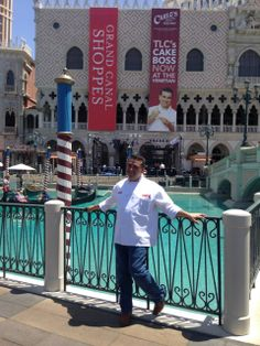 Carlo's Bakery at the Venetian LV ~ Now Open! Cake Boss Buddy, Carlos Bakery, Buddy Valastro, Master Baker, Vegas Style, Wedding Heels, Best Christmas Gifts, Best Tv Shows, Clearance Sale