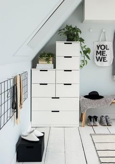 nordli ikea snedtak 807059195706282661 - Lilly is Love Nordli Ikea, Algot Ikea, Decoration Inspiration, Room Inspiration, Interior Inspiration, Ikea Bedroom, Home Bedroom, Ikea Interior, Halls
