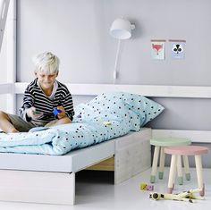 Lámpara dormitorio infantil http://www.mamidecora.com/lampara-infantil-metal-flexa.html
