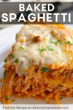 This easy baked spaghetti casserole recipe is filled with delicious sauce spaghetti onions and cheese and is a family favorite. This is my favorite way to eat spaghetti! Crockpot Baked Spaghetti, Easy Baked Spaghetti, Pasta Spaghetti, Baked Spaghetti Recipes, Baked Spaghetti With Ricotta, Italian Recipes, Beef Recipes, Cooking Recipes, Family Recipes