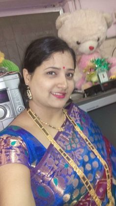 Beautiful Women Over 40, Beautiful Girl Indian, Most Beautiful Indian Actress, Indian Natural Beauty, Indian Beauty Saree, Cute Beauty, Beauty Full Girl, Arabian Beauty Women, Desi Girl Image