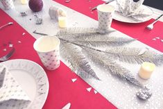 Déco de table pour les fêtes Noël et Nouvel An rose et argenté