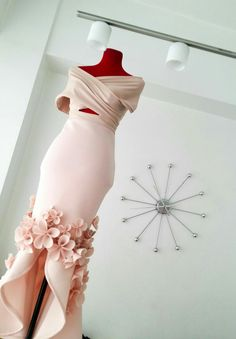 Long dresses should make beauty stand out! #neoprene #neoprenedress #nudeneoprene #flowers #neoprenegown