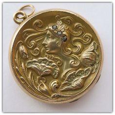 Magnificent Gold Filled & Diamond Antique Art Nouveau Locket - Circa 1900.
