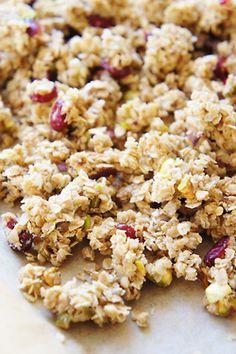 f0o0od:cranberry pistachio granola clusters