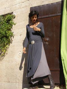 טוניקה טיבטית מקסי עם שסעים גבוהים  בשילוב חצאית או מכנס משולש  כנסי וגלי עוד צבעים