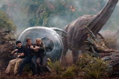 You are watching the movie Jurassic World: Fallen Kingdom on Putlocker HD. Three years after the demise of Jurassic World, a volcanic eruption threatens the remaining dinosaurs on the isla Nublar, so Claire Dearing, the former park Jurassic World Fallen Kingdom, Jurassic Park World, Falling Kingdoms, Dinosaur Art, Prehistoric Creatures, Prehistory, Avengers Infinity War, Movie Trailers, Hd 1080p