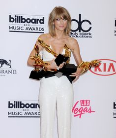 """I won 8 Billboards Music Awards. And it was also """"Bad Blood"""" premiere and it was absolutely  amazing night! Thank you again. I love you guys."""
