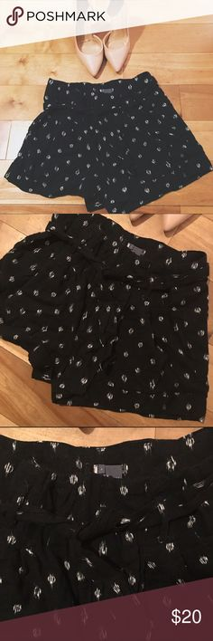 Black & White Paper Boy Shorts Adorable patterned paper boy shorts by Sparkle & Fade - from UO. Size 4. Urban Outfitters Shorts