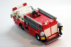 Lego Ambulance, Lego Police, Lego Car, Lego Truck, Lego City Sets, Lego Sets, Lego Vehicles, Cool Lego Creations, Lego Worlds