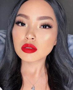 Our experts researched dozens of the best highlighter makeup products. Red Lips Makeup Look, Red Lipstick Makeup, Eye Makeup, Hair Makeup, Flawless Makeup, Matte Lipsticks, Kiss Lashes, No Make Up Make Up Look, Classy Makeup