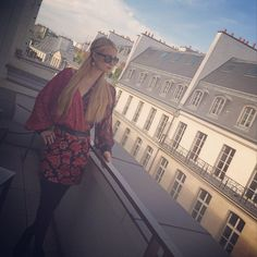 #ParisHilton is ready for another #beautiful day in #Paris   #Beauty #CreativeDirectors #PFW #Supermodels #Vogue