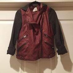 Urban Outfitters Hooded Leather Jacket Closet necessity. This piece is super versatile and can be worn with skinny jeans for running errands or over a LBD for dinner + drinks! Feel free to make an offer! Urban Outfitters Jackets & Coats