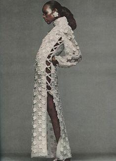 Vintage Bazaar Dec 1968, Naomi Sims, Bill Blass' at home see through organdy