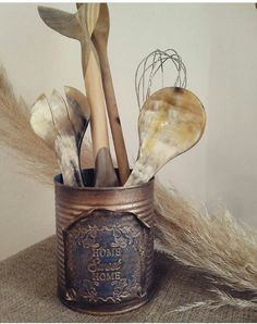 Craft Projects, Projects To Try, Tin Can Crafts, Green Garden, Gisele, Decoration, Canning, Studio, Antiques