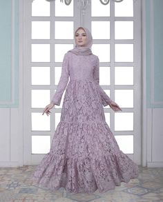 New dress maxi indian party ideas Dress Brokat Muslim, Dress Brokat Modern, Muslim Dress, Trendy Dresses, Modest Dresses, Elegant Dresses, Nice Dresses, Elegant Gown, Dress Brukat