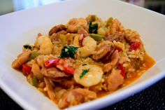 Southern Jambalaya with chicken and sausages! The ultimate recipe for a one-pot hearty meal, which is intense in flavours and aromas. The first time I visited the US I was so excited! Coming from Europe, it felt like another planet. Being a food lover I wanted to try every regional delicacies this wonderful country had …