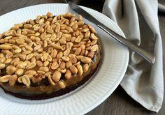 Snickerskage med karamel og peanuts…