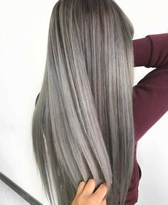 "641 Me gusta, 8 comentarios - Fanola Professional USA (@fanola) en Instagram: ""Sleek and silver by @josievilay @hairologystudio_ Do you prefer straight hair or wavy hair? """