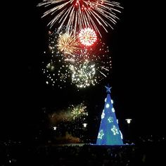 Happy New Years everyone. Geelong Waterfront Fireworks 9:30pm show. Awesome family event.  #nye2015 #geelongwaterfront #geelong #livelovegeelong #destinationgeelong #geelongchristmas by brett.fuller http://ift.tt/1JtS0vo