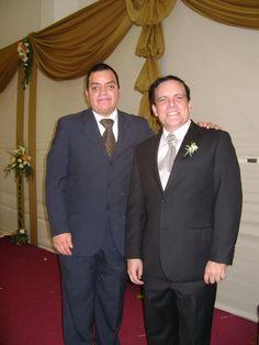Freddie Armando Romero y Candidato a la Alcaldía de Lima, Gonzalo Alegría Varona, en su matrimonio. (2010)