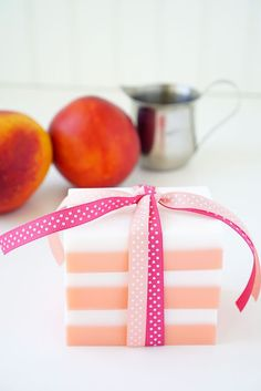 This Peaches and Cream Soap smells incredible, and you can whip up a batch in just a few minutes! Makes a great DIY homemade holiday gift idea!