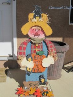 Cute Wood Craft Scarecrow with pumpkins and crows.  Porch sitter. By Carousel Crafts
