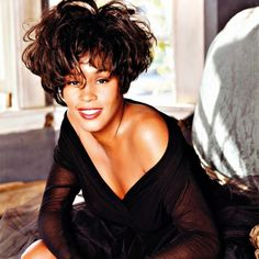 Whitney Houston, Natural Makeup Looks, Natural Looks, New Jack Swing, Kevin Costner, Live Band, Back In Time, Her Music, Guinness