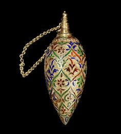 An enamelled gold Perfume Sprinkler Morocco, Century of inverted bud form… Genie Bottle, Bottle Art, Perfumes Vintage, Fru Fru, Beautiful Perfume, Antique Perfume Bottles, Look Vintage, 18th Century, Glass Art