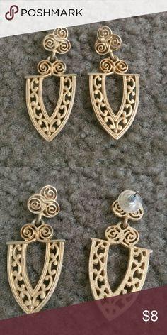 Vintage earrings Hangs about 1.5in Jewelry Earrings