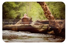 newborn photography, outdoor newborn photography, unique, creek, water, outdoor photography