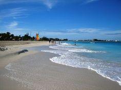 How to Sail From Miami to the Bahamas thumbnail