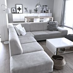 cozy small living room decor ideas for your apartment 27 Living Room Sofa Design, Living Room Decor Cozy, Living Room Grey, Living Room Modern, Living Room Interior, Home Living Room, Living Room Designs, Small Living, Monochromatic Living Room